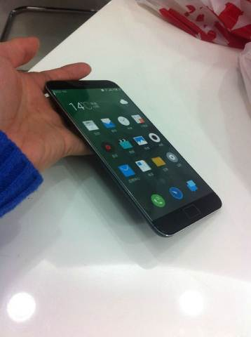 MEIZU MX5 - the first alleged real photos