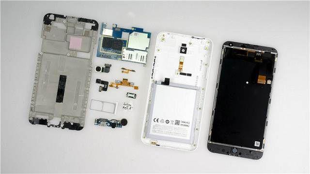 Meizu M1 Note decomposed in the teardown in items